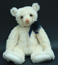 "Amelie - 20"" Humble-Crumble Bear"