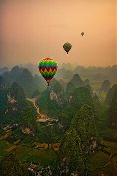 someday i will go hot air ballooning! Air Balloon Rides, Hot Air Balloon, Beautiful World, Beautiful Places, Beautiful Pictures, Air Ballon, Adventure Is Out There, The Great Outdoors, Wonders Of The World