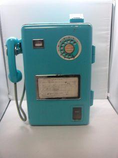 大型青公衆電話機 Telephone Booth, Vintage Telephone, Showa Period, Retro Phone, Old Phone, My Childhood Memories, Cool Gadgets, Landline Phone, Poster