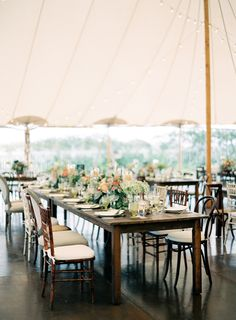 Photography : Jen Huang   Reception Venue : Chatham Bars Inn Read More on SMP: http://www.stylemepretty.com/2015/01/26/romantic-natural-cape-cod-wedding/