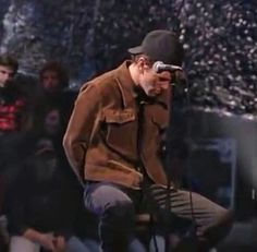 Pearl Jam Unplugged makes me happy. How many of us fell in love with that little rebel when they watched this?