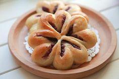四叶草紫薯面包