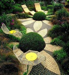 100 Gartengestaltung Bilder und inspiriеrende Ideen für Ihren Garten - blumeneffekt aus mosaik im garten gartenmöbel