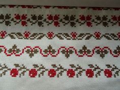 This Pin was discovered by jel Xmas Cross Stitch, Cross Stitch Borders, Simple Cross Stitch, Cross Stitch Flowers, Cross Stitch Charts, Cross Stitch Designs, Cross Stitching, Cross Stitch Embroidery, Hand Embroidery