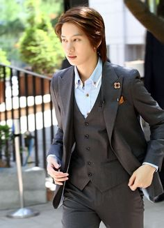 Kim Heechul. I like this look on him! ♥