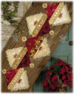 Button Santa Table Runner Pattern