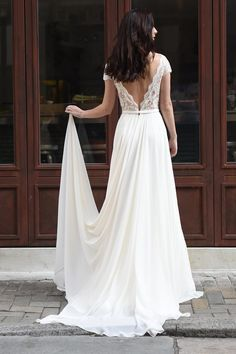 Town & Country Bridal and Formalwear is the premier bridal shop in St. Louis, with exquisite designer wedding gowns, veils, etc. Wedding Humor, Chic Wedding, 1920s Wedding, Dream Wedding Dresses, Bridal Dresses, Augusta Jones, Anne Barge, Designer Wedding Gowns, Photo Couple