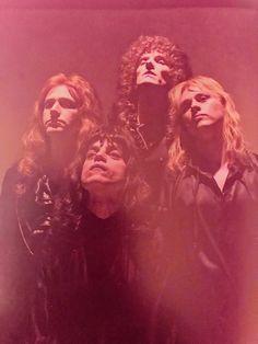 CLIQUE Ben Hardy, John Deacon, Brian May, Queen Movie, Roger Taylor Queen, Queens Wallpaper, We Will Rock You, Best Boyfriend, Queen Freddie Mercury