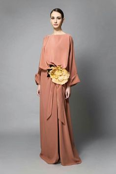 Coral maxi dress ✫♦๏༺✿༻☘‿FR Aug ‿❀🎄✫🍃🌹🍃🔷️❁`✿~⊱✿ღ~❥༺✿༻🌺♛༺ ♡⊰~♥⛩⚘☮️❋ Abaya Fashion, Muslim Fashion, Modest Fashion, Fashion Dresses, Outfit Formal Mujer, Pink Fashion, Womens Fashion, Moda Boho, Casual Dresses