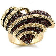 Such a pretty ring:)