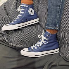 Royal Blue Converse, Blue Converse High Tops, Mode Converse, Outfits With Converse, Converse All Star, Converse Chuck Taylor, Light Blue Converse, Converse Hightops, Converse Shoes High Top