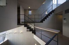 효율적이고 넓은 공간 배치, 스킵 플로어 구조의 예쁜 협소 주택 디자인 : 네이버 블로그
