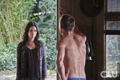 """Hart of Dixie -- """"I Run to You"""" -- Image Number: HA307b_0898b.jpg -- Pictured (L-R): Rachel Bilson as Dr. Zoe Hart and Wilson Bethel as Wade -- Photo: Mike Yarish/The CW -- � 2013 The CW Network, LLC. All rights reserved.pn"""
