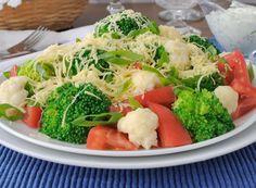 Салат брокколи и цветной капустой