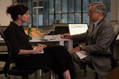 Anne Hathaway and Robert De Niro in THE INTERN.