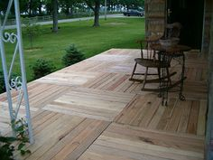A palletized front porch!