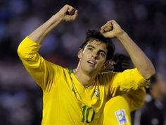 Real Madrid has set out to capture a boat-load of the world top soccer players this summer and is closing in on its first major signing, with Brazilian star Kaka set to join the Spanish giants after passing a physical on Monday. Brazil Football Team, Football Players, Brazilian Soccer Players, Ricardo Kaka, Sports Personality, Uefa Champions League, Fifa World Cup, Windbreaker, Amor