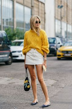 New Street Style Trends for Would you love to wear this street style outfit? Street Style Trends, Nyc Street Style, Rihanna Street Style, Copenhagen Street Style, Street Style Outfits, Looks Street Style, Fall Style Trends, Danish Street Style, Copenhagen Fashion Week 2018
