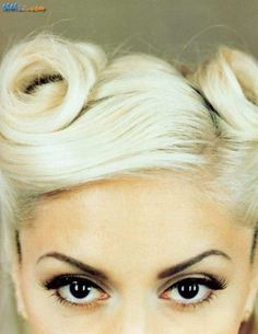 Gwen Stefani and a retro pin-up do.