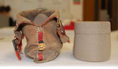 Heel support and moccasin