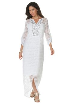 A beautiful plus size maxi dress designed to fit you flawlessly. #spring #fashion #plussize