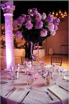 Austin Texas Event, Floral Pinspotting, Cake Pinspotting, Room Wash, Uplighting, Purple, Centerpiece Lighting, Chandeliers, Intelligent Lighting Design, ILD Lighting,