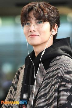 [Event] Ji Chang Wook takes off for the 2019 Asia Artist Awards Korean Male Actors, Handsome Korean Actors, Korean Celebrities, Asian Actors, Ji Chang Wook Abs, Ji Chang Wook Smile, Ji Chang Wook Healer, Super Junior シウォン, Ji Chang Wook Photoshoot