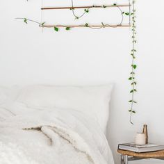 Make this DIY Wall Hanging for your bedroom to add freshness and dreamy feel.
