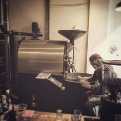 #roasting the #beans on site  #coffee at @strangerscoffee #roastery in #Norwich #great #advice from #friendly and #knowledgeable #staff #caffeine #espresso #aeropress #v60 http://ift.tt/1Vbg53z