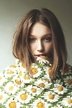 Cailin Russo, Hot Girls, Mademoiselle, Mellow Yellow, Mode Inspiration, Tweed, Knitwear, Portrait Photography, Curls