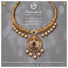 Timeless and classic jewels by are handcrafted par excellence! Shop the regal collection of jewellery only at… Pearl Necklace Designs, Jewelry Design Earrings, Gold Earrings Designs, Gold Jewellery Design, Gold Designs, Jewellery Box, Jewelry Necklaces, Gold Jhumka Earrings, Gold Jewelry Simple