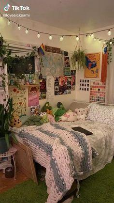 Indie Bedroom, Indie Room Decor, Cute Room Decor, Teen Bedroom, Bedrooms, Indie Dorm Room, Room Design Bedroom, Room Ideas Bedroom, Bedroom Decor