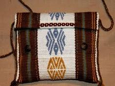 Backstrap Weaving-A tutorial and some terrific tiny projects. Tablet Weaving, Inkle Weaving, Inkle Loom, Card Weaving, Sacs Tote Bags, Tear, Weaving Patterns, Fabric Bags, Tapestry Weaving