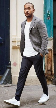 Confused between business look and casual look? Business ca Verwirrt zwischen Business-Look und Casual-Look? Business casual ist Ihre Sache Confused between business look and casual look? Business casual is your thing … # Business casual men - Casual Outfit Men, Smart Casual Wear, Mens Smart Casual Fashion, Smart Casual Menswear, Casual Blazer, Grey Blazer Outfit, Casual Dresses Men, Smart Casual Black Men, Men's Casual Fashion Over 40