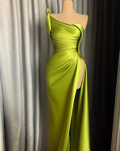 This color 😍 Glam Dresses, Red Carpet Dresses, Couture Dresses, Pretty Dresses, Fashion Dresses, Formal Dresses, I Dress, Dress Outfits, Gowns Of Elegance