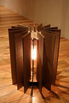 cardboard lamp by display lady / rachel t robertson Cardboard Design, Cardboard Furniture, Cardboard Crafts, Cardboard Playhouse, Diy Design, Design Ideas, Diy Luz, Karton Design, Recycled Lamp