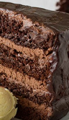 Chocolate Cake with Chocolate Mousse Filling ~ For serious chocolate lovers! This decadent chocolate cake with chocolate mousse filling is THE thing to satisfy your chocolate craving! Decadent Chocolate Cake, Chocolate Desserts, Chocolate Lovers, Chocolate Filling, Chocolate Cake Fillings, Chocolate Cream, Craving Chocolate, Chocolate Mousse Cake, Delicious Chocolate
