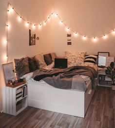 bedroom decor for small rooms & bedroom decor . bedroom decor for couples . bedroom decor for small rooms . bedroom decor master for couples . bedroom decor on a budget Bedroom Decor For Teen Girls, Girl Bedroom Designs, Room Ideas Bedroom, Small Room Bedroom, Bedroom Inspo, Bedroom Goals, Cozy Teen Bedroom, Bedroom Inspiration, Diy Bedroom