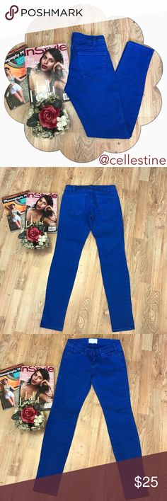 "Current/Elliott Blue Skinny Jeans Pants sz 24 - 0 Current / Elliott Blue Skinny Jeans Pants sz 24 - 0. In nice condition. Made in USA. Inseam 29"". Rise 7"". Thanks for checking @cellestine closet. ✨💫 Current/Elliott Pants Skinny"