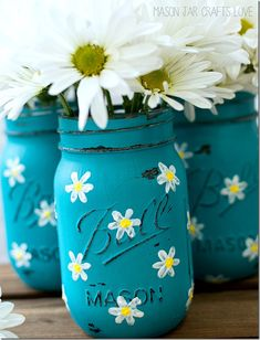 Painted Mason Jars with Daisies