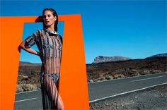 Missoni Spring 2014 Christy Turlington photographed by Viviane Sassen. Photos courtesy of Missoni Christy Turlington, Fashion Tape, Ad Fashion, Editorial Fashion, Beach Fashion, Fashion Brands, Missoni, Fashion Advertising, Advertising Campaign