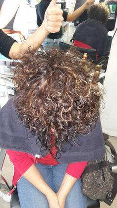 #hairstylist #degradè #hair #fashionstyle #napoli #moda #passion #picsoftheday #likeforlike #girl #Girls #luigiruocco #colore #tagsforlike #instaphoto #instagood #joelle #sistemprofessional #illuminacolor #fashion #wella #regram from @wellahair