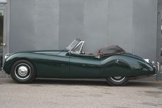 Startseite / Movendi -The spirit of classic cars Jaguar Xk120, Car Humor, Old Cars, Classic Cars, Vehicles, Trains, Vintage, Leo, Motor Car