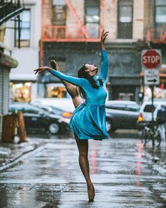 Uploaded by Find images and videos about dance, ballet and ballerina on We Heart It - the app to get lost in what you love. Street Dance, Street Art, Street Ballet, Ballerina Dancing, Ballet Dancers, Ballerinas, Black Ballerina, Dance Pictures, Cool Pictures