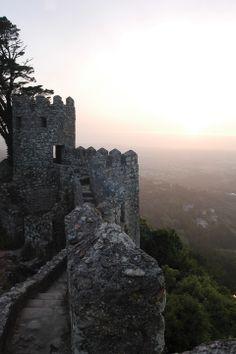 Antigo castelo de provável fundação muçulmana, durante o séc. IX, no qual nunca se travou nenhuma batalha. De facto, tanto os ocupantes muçu...