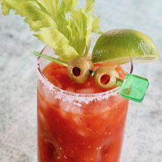 Alcohol Drink Recipes, Punch Recipes, Old Fashioned Drink, Bloody Mary Recipes, Hot Pepper Sauce, Tomato Vegetable, Holiday Drinks, Looks Yummy, Stuffed Hot Peppers