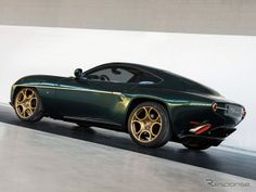 Green Alfa Romeo Disco Volante by Touring Superleggera - GTspirit Alfa Romeo 8c, Alfa Romeo Cars, Car Images, Car Photos, Touring, Dream Cars, Alfa Alfa, Amazing Cars, Incredible Hulk