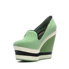 Abbe Wedge in Mint.