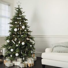 Awesome Black Christmas Tree Decor Ideas 47 Each year most of us put up a Festive tree in our houses for the Christmas holidays. The concept of […] Best Christmas Tree Decorations, Black Christmas Trees, Beautiful Christmas Trees, Noel Christmas, Christmas Wreaths, Christmas Ideas, Summer Christmas, Cottage Christmas, German Christmas