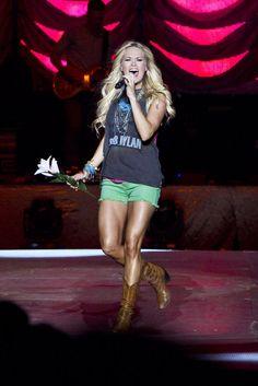 Carrie Underwood my hero!